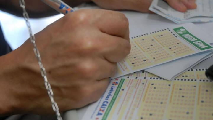 MEGA-SENA ACUMULADA DEVE PAGAR HOJE PRÊMIO DE R$ 40 MILHÕES