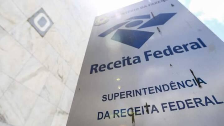 RECEITA FEDERAL CONFIRMA CONCURSO COM 699 VAGAS E SALÁRIOS DE ATÉ R$ 21 MIL