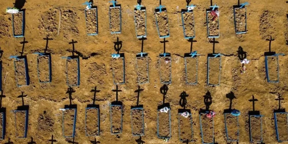 APÓS 2 MESES, TRANSMISSÃO DA COVID ROMPE TETO EM TODAS AS REGIÕES DO BRASIL
