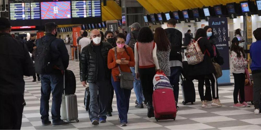 Autorização para menores de idade poderem viajar sozinhos passará a ser feita pela internet