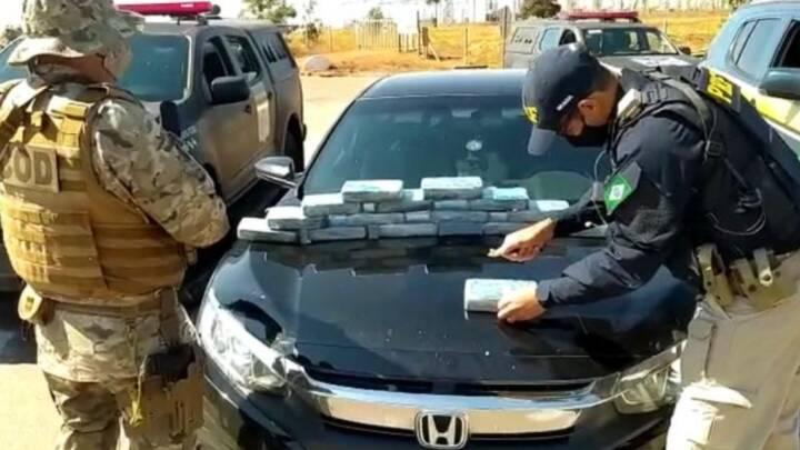 Casal é flagrado com 15 kg de pasta base de cocaína escondidos no carro, em Trindade